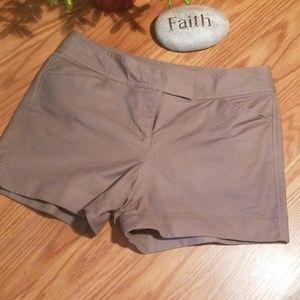 Ann Taylor signature 4p shorts